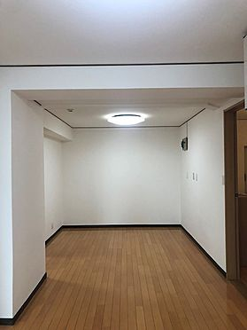 マンション(建物一部)-上尾市柏座1丁目 居間
