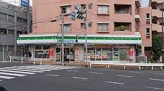 中古マンション-新宿区弁天町 ファミリーマート新宿弁天町店 徒歩2分。 160m