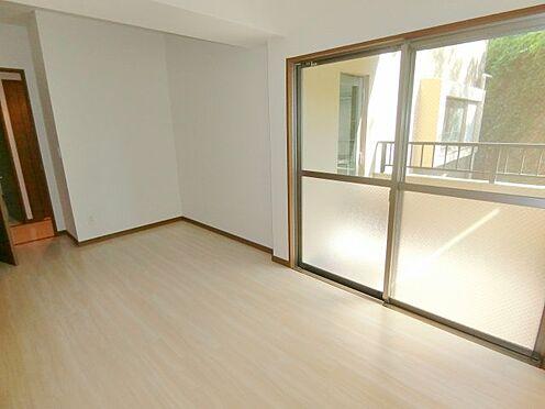 中古マンション-福岡市中央区谷2丁目 バルコニーに面した洋室!