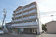 総戸数34戸と戸数の多さが魅力の平成5年築RC造6階建。