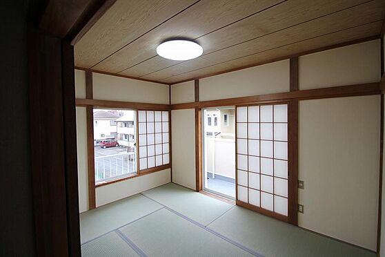 戸建賃貸-熊谷市江南中央3丁目 2階の和室。畳表替、障子も2個所有。