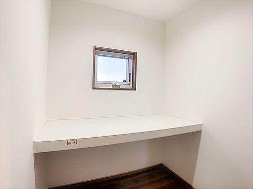 戸建賃貸-碧南市新道町4丁目 嬉しい納戸付き!季節の家電や掃除道具などの収納に便利ですね。