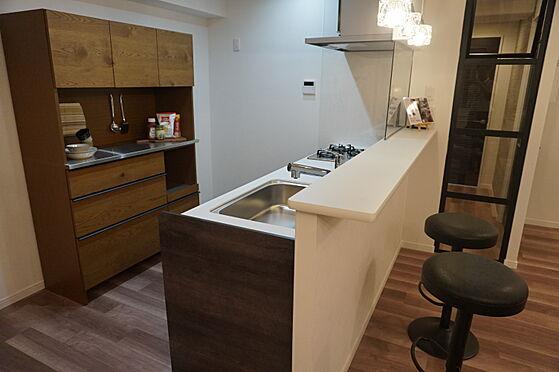中古マンション-岡山市北区弓之町 キッチンカウンター 掲載中の家具等は販売価格に含まれません。