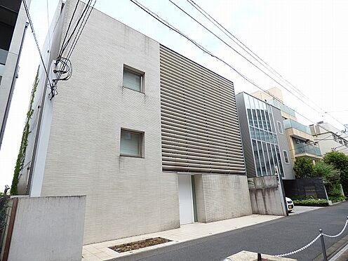 事務所(建物全部)-港区南青山6丁目 高級エリアに佇む邸宅です