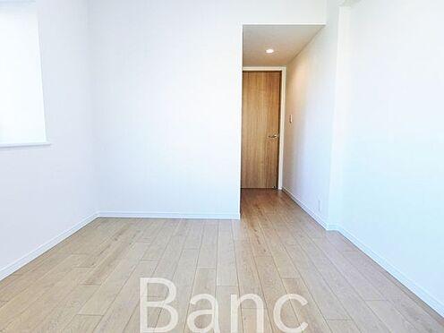 中古マンション-足立区扇1丁目 家具の配置がしやすい間取です お気軽にお問い合わせくださいませ。