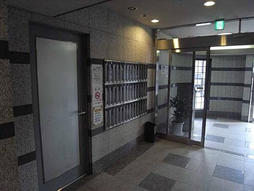 マンション(建物一部)-大阪市福島区海老江5丁目 キレイに清掃されたエントランス。