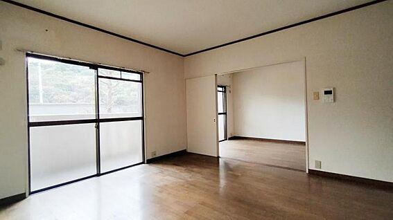 中古マンション-福岡市西区今宿青木 洋室と一体化できるLDKです☆