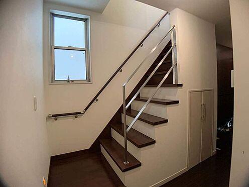 中古一戸建て-名古屋市北区八代町1丁目 手すり付きの階段で小さなお子様や高齢の方も安心です