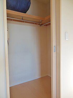 中古マンション-港区高輪1丁目 洋室内のウォークインクロゼット