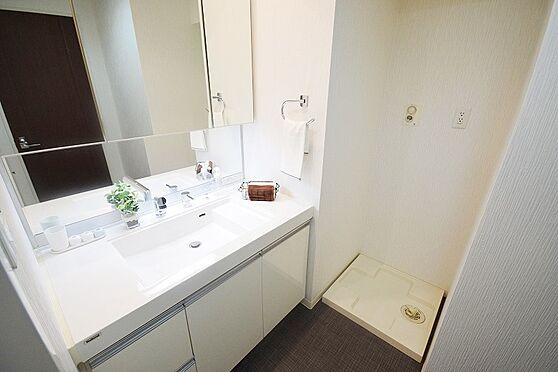 中古マンション-八王子市高倉町 2020年8月上旬室内リフォーム完了(全室クロス貼替、全室フローリング上張り、トイレ・給湯器新調、トイレ・洗面所CF貼替、ハウスクリーニング)2020年8月撮影