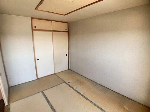中古マンション-名古屋市天白区島田1丁目 約6帖の和室は隣接するLDKと繋げると約18.6帖の広々空間となります。
