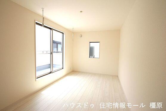 戸建賃貸-磯城郡田原本町大字阪手 洋室は全て2面採光。明るさを確保し、風通しも問題ありません。