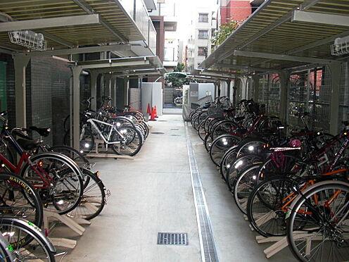 マンション(建物一部)-三鷹市下連雀3丁目 共用部分は駐輪場、バイク置場、駐車場スペースを設けております