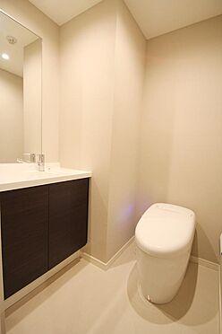 区分マンション-文京区白山2丁目 手洗いカウンターつきのトイレです。