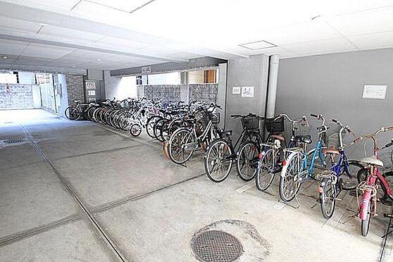 マンション(建物一部)-大阪市淀川区塚本4丁目 広々とした駐輪場もあります