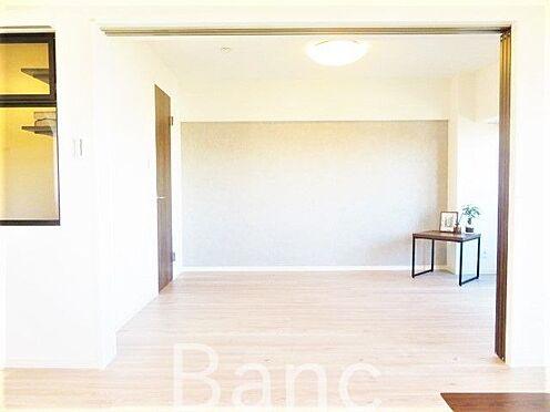 中古マンション-杉並区高円寺北1丁目 明るい室内です。お気軽にお問い合わせくださいませ。