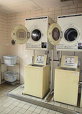 マンション(建物一部)-大阪市東成区東中本2丁目 コインランドリーもあります