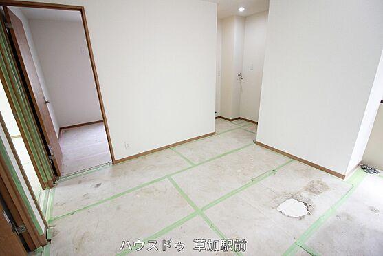 店舗・事務所・その他-川越市宮元町 リビング横に一部屋ございます!寝室としても客間としても子供部屋としても対応可能!