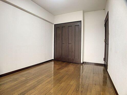 区分マンション-福岡市城南区別府6丁目 リビング横の洋室です。
