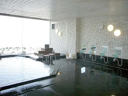 中古マンション-熱海市上多賀 オーシャンビューの温泉大浴場(利用時間は清掃時間を除く6:00〜24:00)