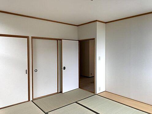 中古一戸建て-豊田市深見町鳥目 2階の和室です!クローゼットが二か所で収納たっぷりです!