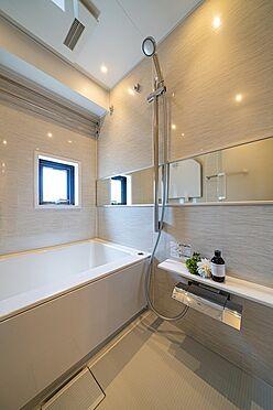 中古マンション-港区西麻布1丁目 浴室乾燥機付浴室