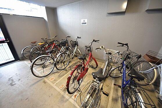 マンション(建物一部)-大阪市都島区片町1丁目 雨風を防ぐ駐輪場