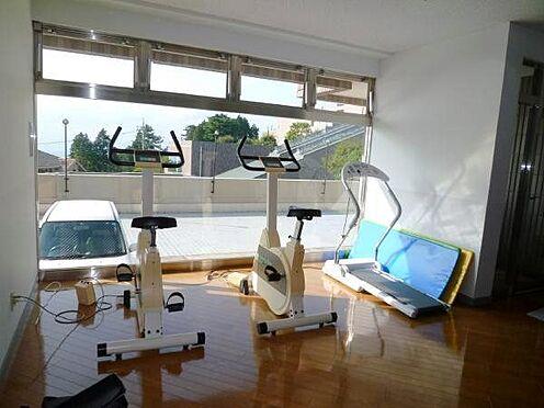 中古マンション-田方郡函南町平井 トレーニングルーム。ご自由にご利用頂けますので、ぜひ健康維持にご活用ください。