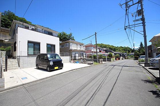 建物全部その他-八王子市川口町 前面道路の幅員は約6mとゆとりがございます。