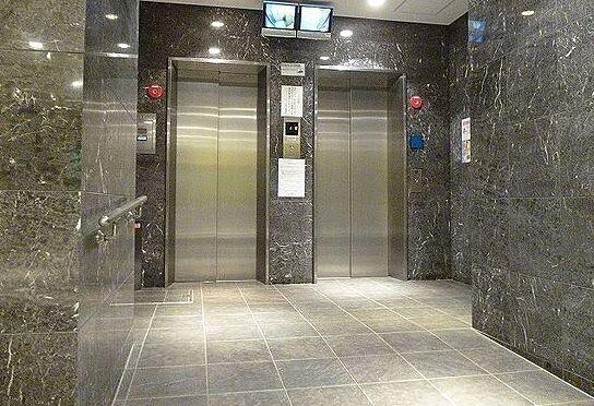 区分マンション-大阪市北区本庄西2丁目 エレベーターが2基あるから忙しい時間帯も大丈夫