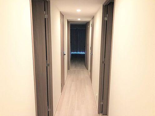 中古マンション-尾張旭市印場元町1丁目 室内大変お綺麗です。廊下にはあると嬉しい廊下収納付き!お掃除道具等収納できます!