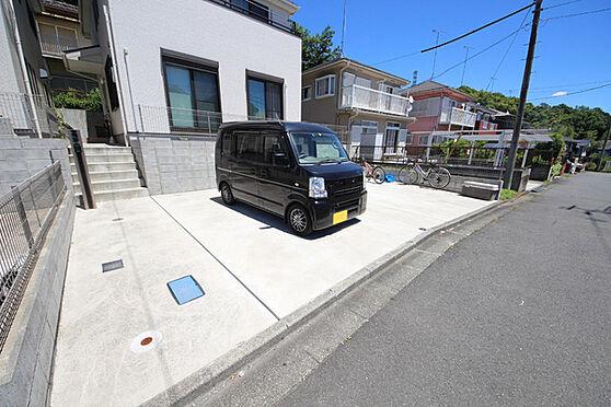 建物全部その他-八王子市川口町 ゆとりのある駐車スペース。駐車が苦手な方も安心です。