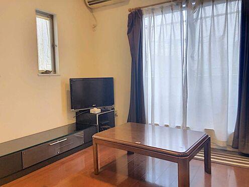 戸建賃貸-名古屋市千種区内山1丁目 リビングは約20.75帖ととても広く、ゆとりのある暮らしが実現できます。
