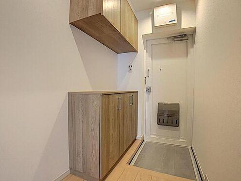 区分マンション-豊田市山之手7丁目 玄関収納完備で玄関周りもスッキリ!