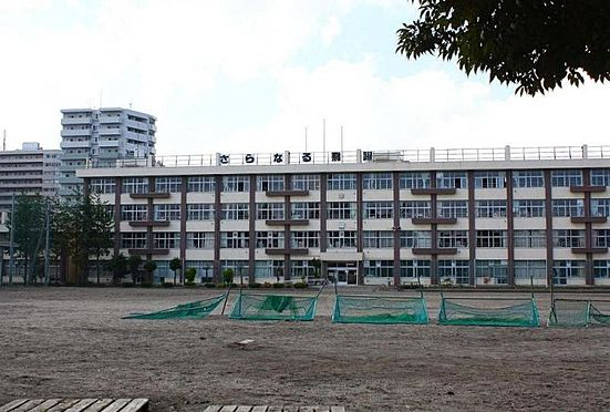 中古マンション-仙台市青葉区堤通雨宮町 上杉山中学校 約530m