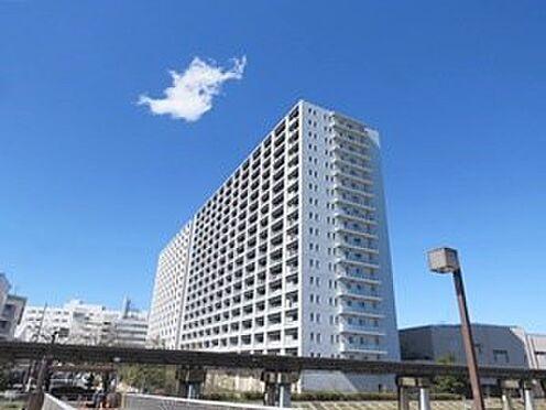 中古マンション-品川区勝島1丁目 外観は白を基調とした高級感が目に新しく人気のマンションです。