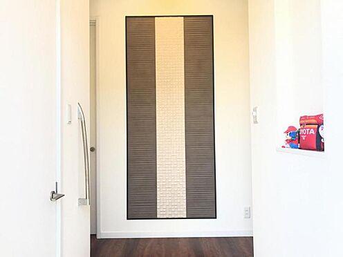 戸建賃貸-西尾市平坂吉山1丁目 玄関横にシューズクロークがあります♪