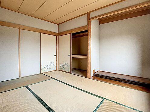 中古一戸建て-豊田市前林町桜田 LDKには和室が隣接しています。来客にこちらで寝て頂くこともできます!
