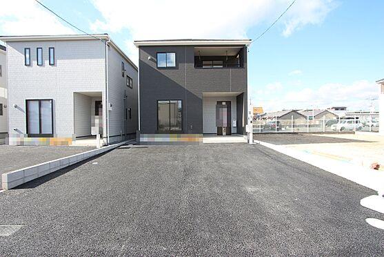 新築一戸建て-大和高田市南今里町 47坪の整形地。並列で3台駐車可能です。この広々とした外観を是非実際にご覧下さい。(2021年1月撮影)