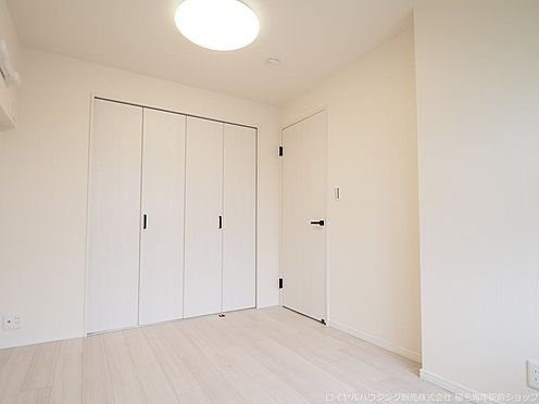 区分マンション-千葉市美浜区稲毛海岸4丁目 北側約5.8帖の洋室です!