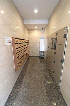 マンション(建物一部)-港区白金3丁目 不在時にも便利な宅配ボックス設置。宅配便が来るから、、という心配をしなくて大丈夫です。