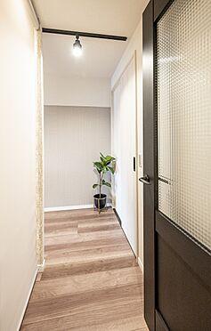 区分マンション-港区高輪2丁目 お部屋うちの廊下部分
