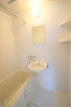 アパート-調布市国領町5丁目 清潔感のある浴室