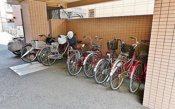 区分マンション-大阪市西成区玉出中2丁目 屋根のある駐輪場有