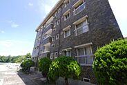 門司駅徒歩16分、小 中学校が近くお子さんにも安心の立地です。
