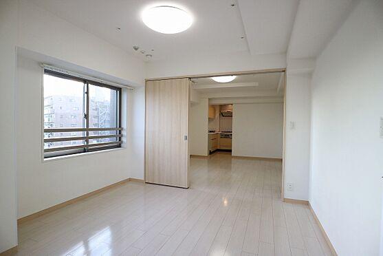 区分マンション-台東区日本堤2丁目 洋室7.0帖 収納力のあるウォークインクロゼット付きのお部屋です