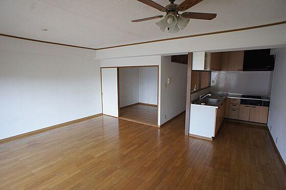 マンション(建物全部)-柏市東中新宿4丁目 キッチンもカウンター型になっておりますので圧迫感がありません。