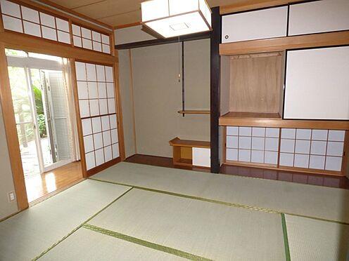 中古一戸建て-町田市金井町 和室 約6.0帖は、二間続きです。縁側から明るい光が差し込みます。