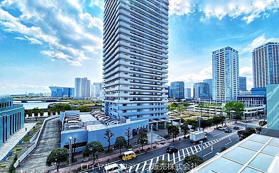 中古マンション-横浜市神奈川区栄町 東南の角部屋で開口部が多く開放的です。