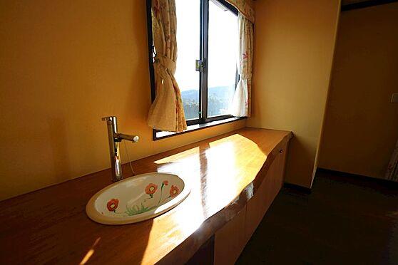 中古一戸建て-熱海市伊豆山 木の温もりを感じられる室内。室内の随所に感じられます。
